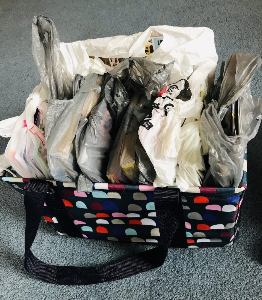 surprise-activity-bags-for-roadtrip-with-kids