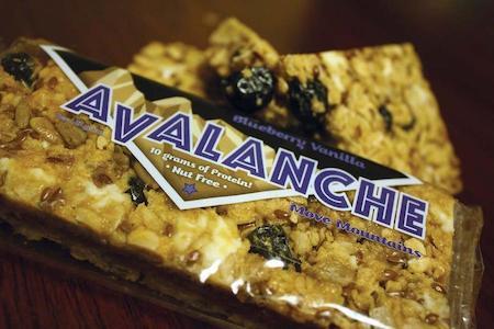 avalanche-blueberry-vanilla-nut-free-protein-bar